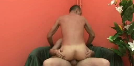 Gay Bottom Gets Plugged