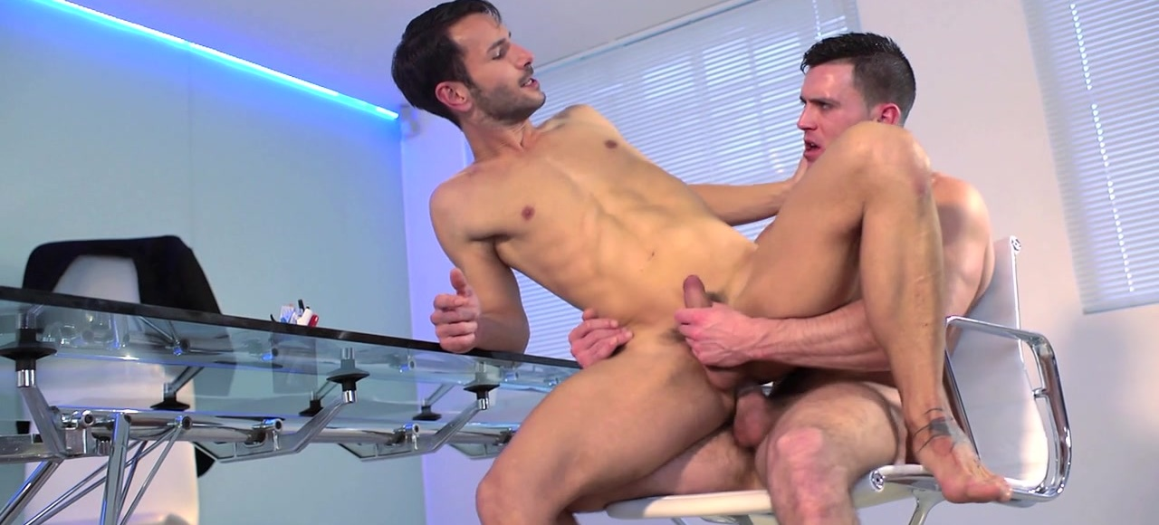 Naked Promotion  - TRAILER- Paddy O'Brian, Mark Sanz - MOUK - Men OF UK