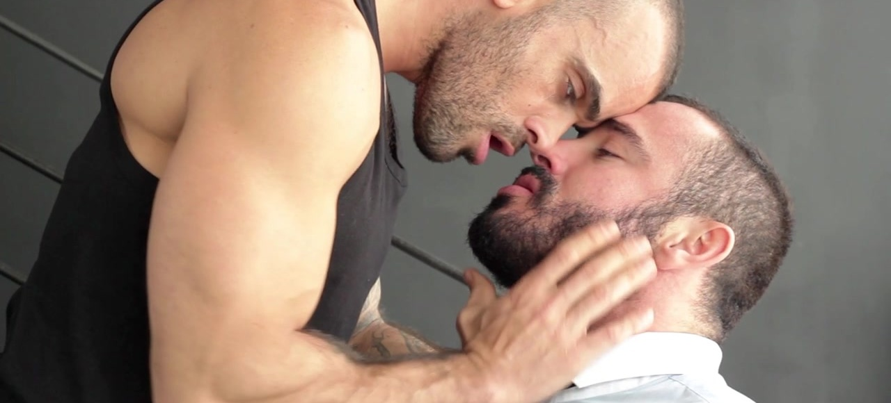 Executive Brothel Part 1 - Jessy Ares & Damien Crosse - TGO - The Gay Office