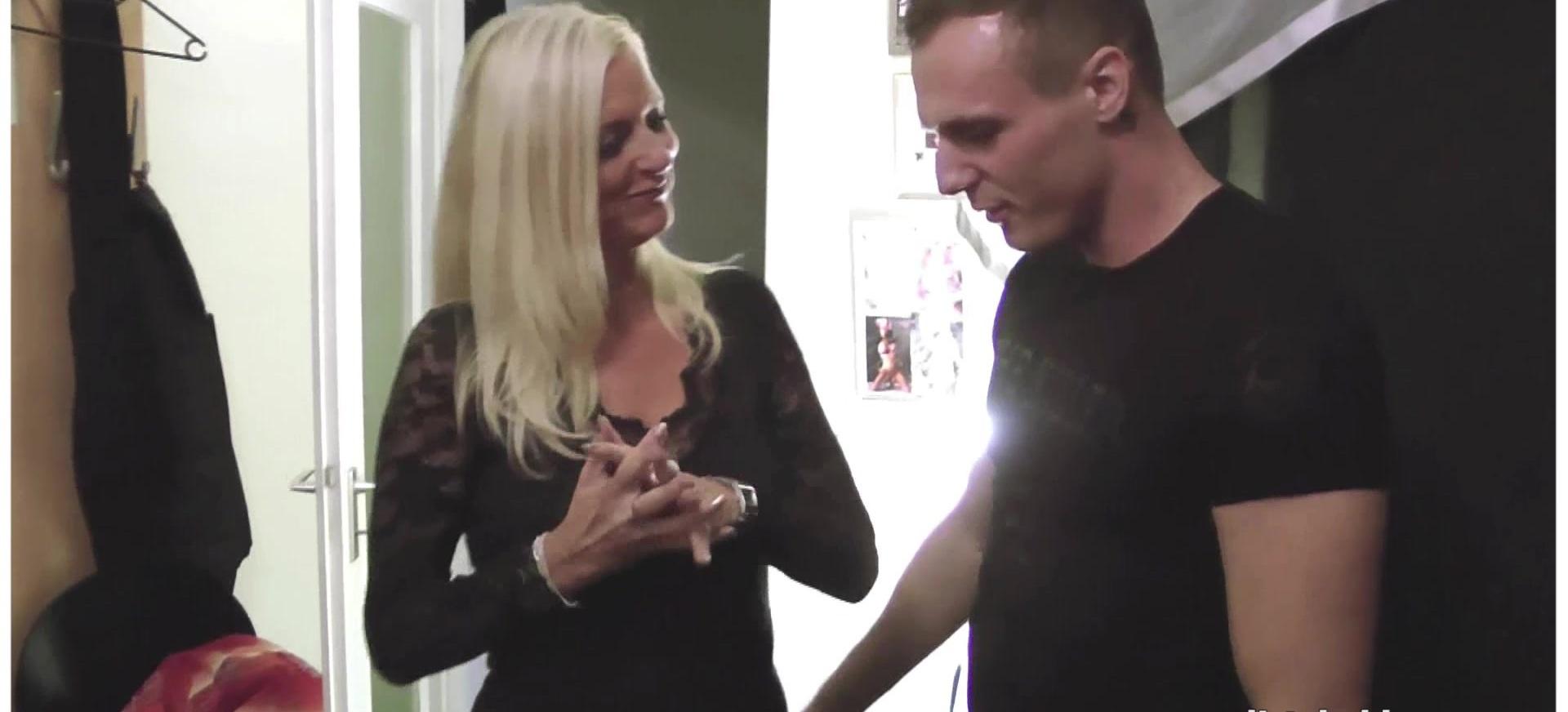 My Dirty Hobby - Deutsche blonde MILF nach Venus durchgefickt und ausgelaufen