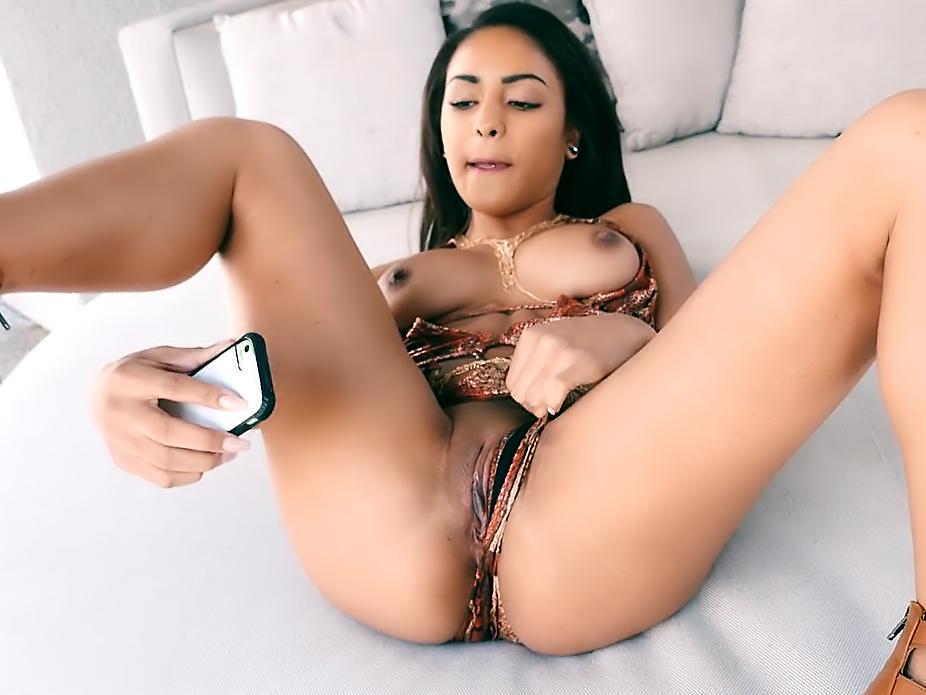 Selfie Slut