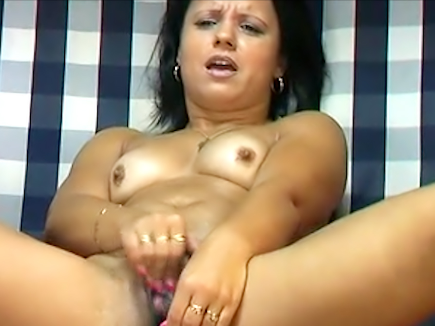 Latina webcam slut toys pussy