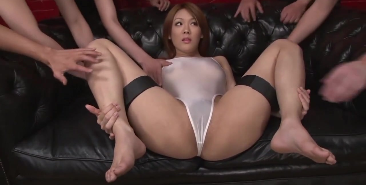 Japanese beauty Rei gets dick in her nice pussy