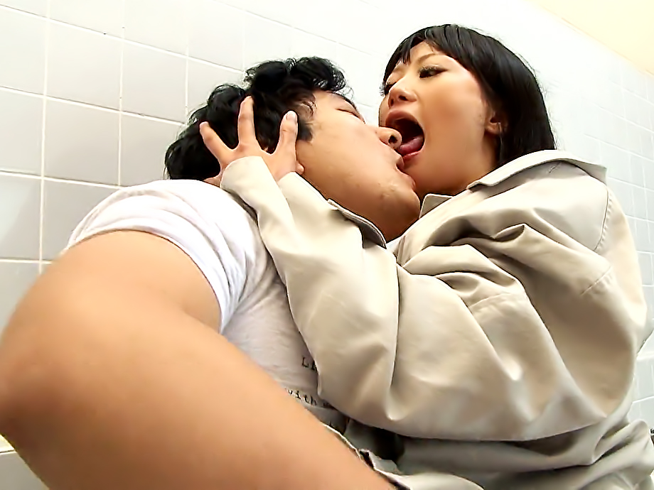 Freaky Japanese bitch Uta Kohaku gets screwed