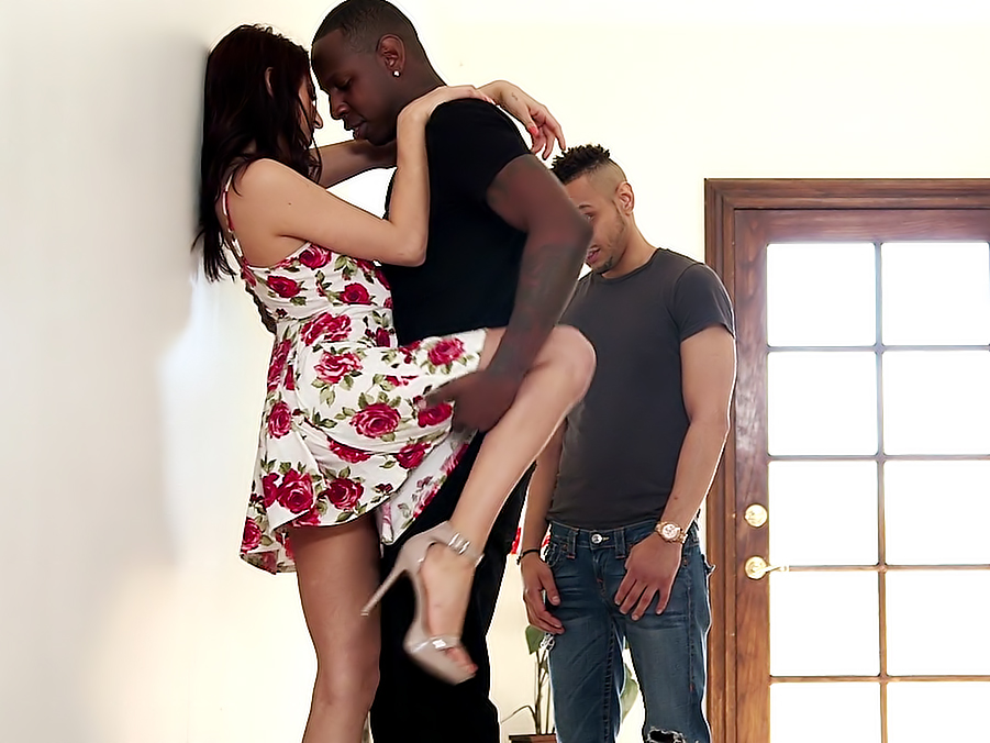 Nikki Knightly - My Sister's First Gangbang 2