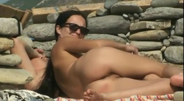 Hot Couple Fucking At The Beach 1_480p