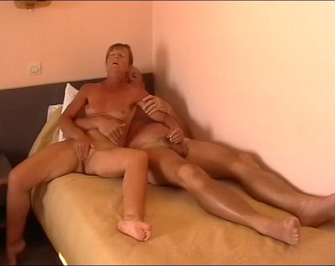 Mature mutual masturbation(by edquiss)_240p