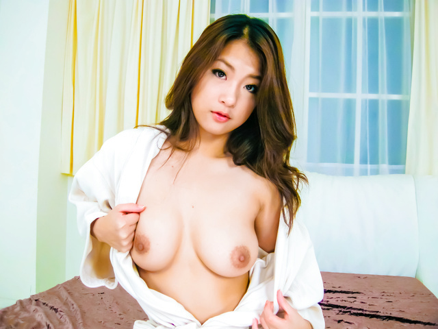 Subtitles - Beautiful POV sex with japanese MILF Satomi