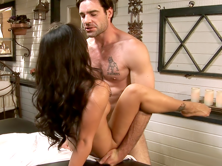 The Masseuse, Scene 05
