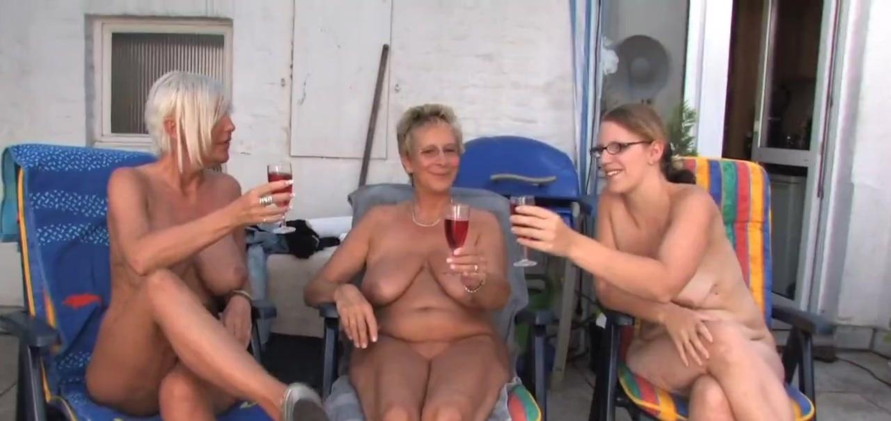 Outdoor Lesben zu dritt