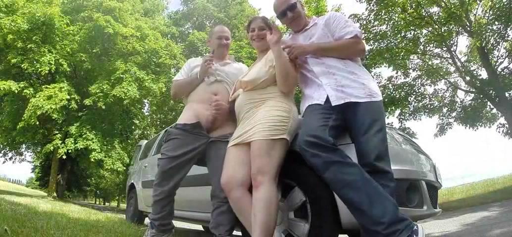 Сексуальная жена толстушка трахается с незнакомцем
