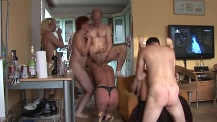Amateur group sex with some matures_240p