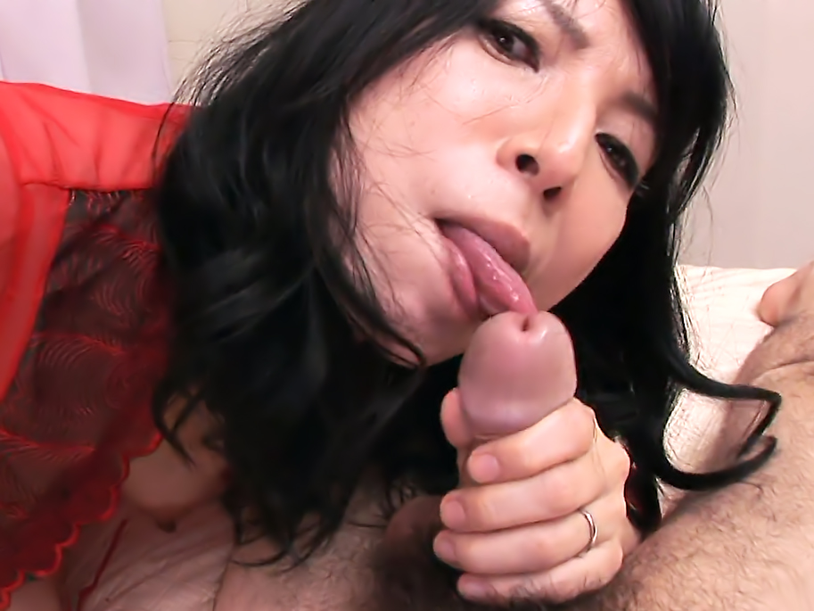 Japanese cougar, Yuko got her daily dose of wild sex
