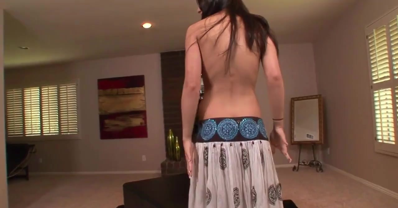 Tia plays exhibitionist to get her stud rock-hard