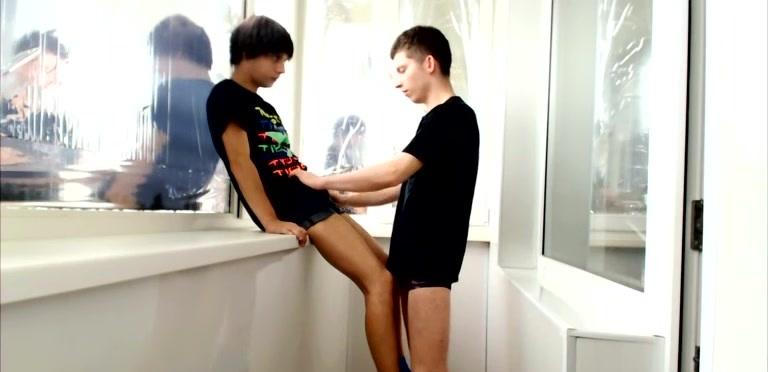 Maxim Takes A Bareback Ramming - Maxim and Artem