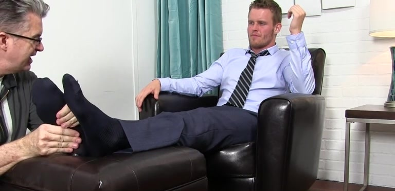 Shawn Reeve Gets Foot Worshiped - Shawn