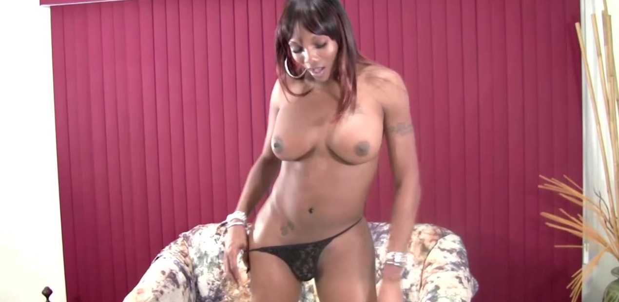 Black TS with bigtits stuffs tight ass with dildo and jerks