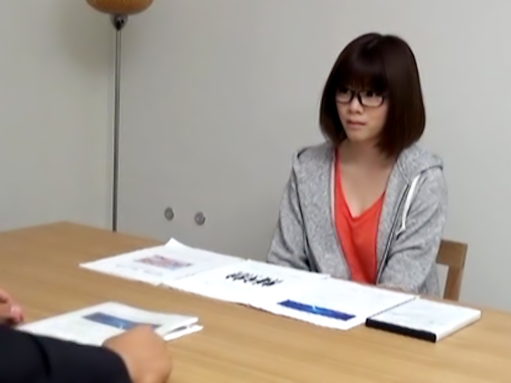 AMATEUR ASIAN TEEN IN GLASSES IS BANGED HARD