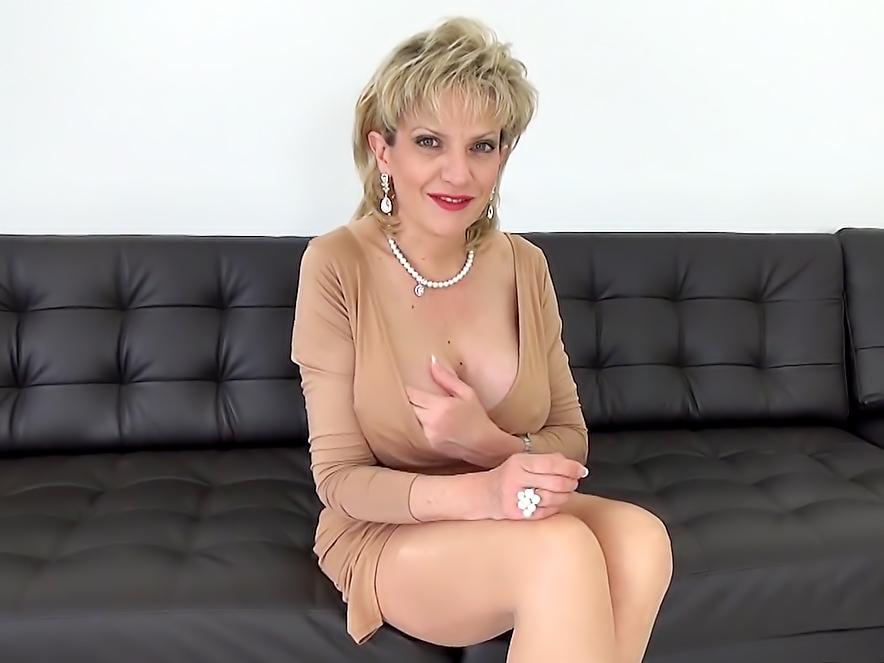 Busty blonde amateur milf