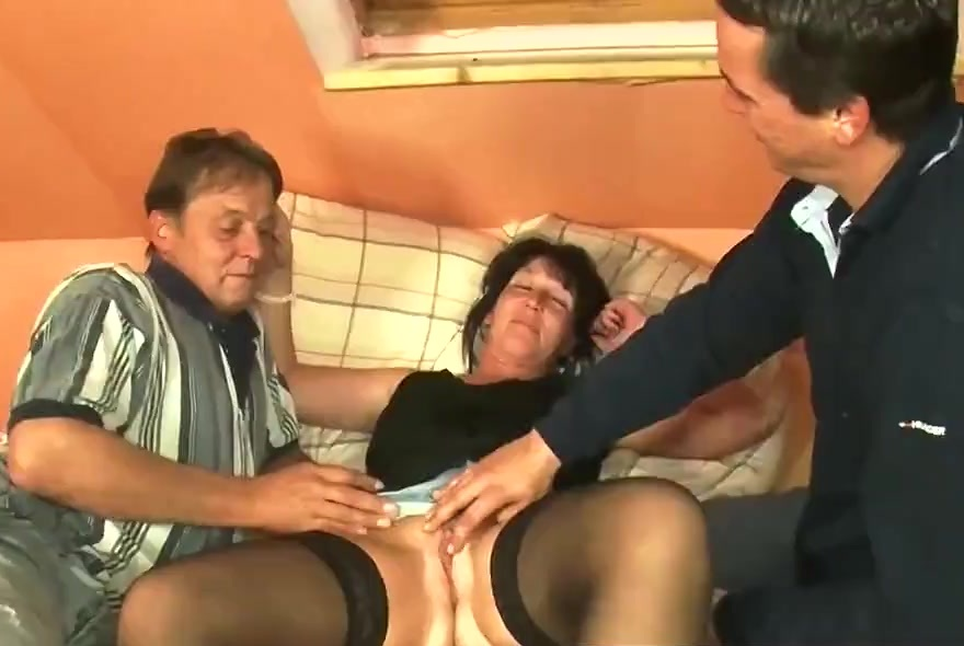 German milf take two dicks_720p