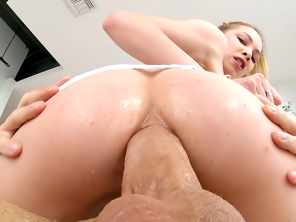 Petite Angel's Anal Adventure