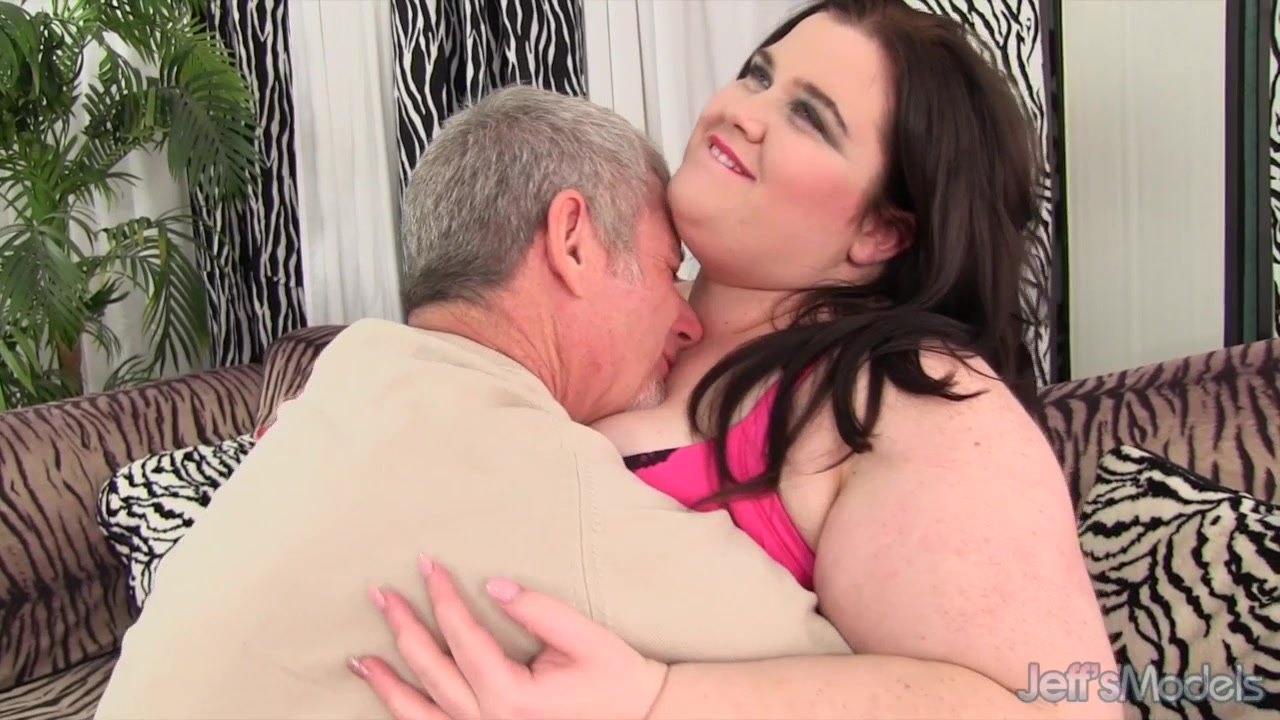 Sexy plumper Holly Jayde hardcore sex
