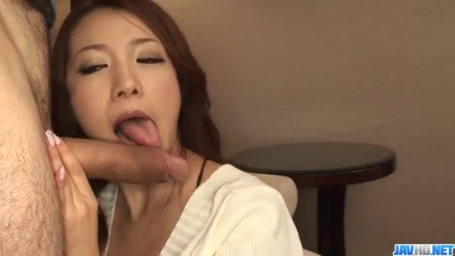 Kanako Tsuchiyo tries tasty cock between her smooth lips