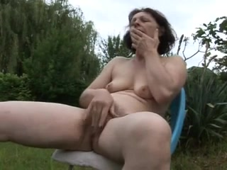 mature Milf Squirting_240p