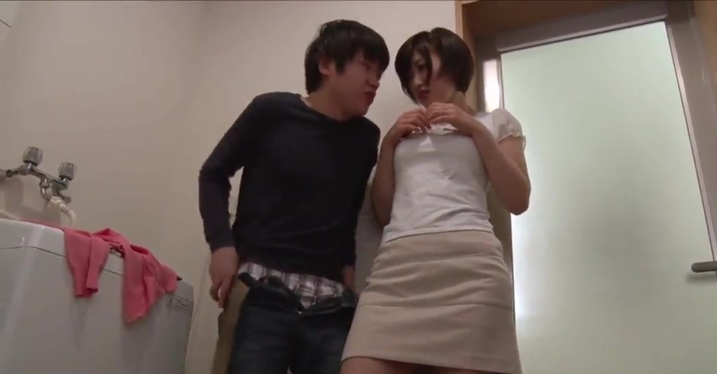 Beautiful Busty Milf Mizuno Asahi Gives Cock A Deepthroat Blowjob.