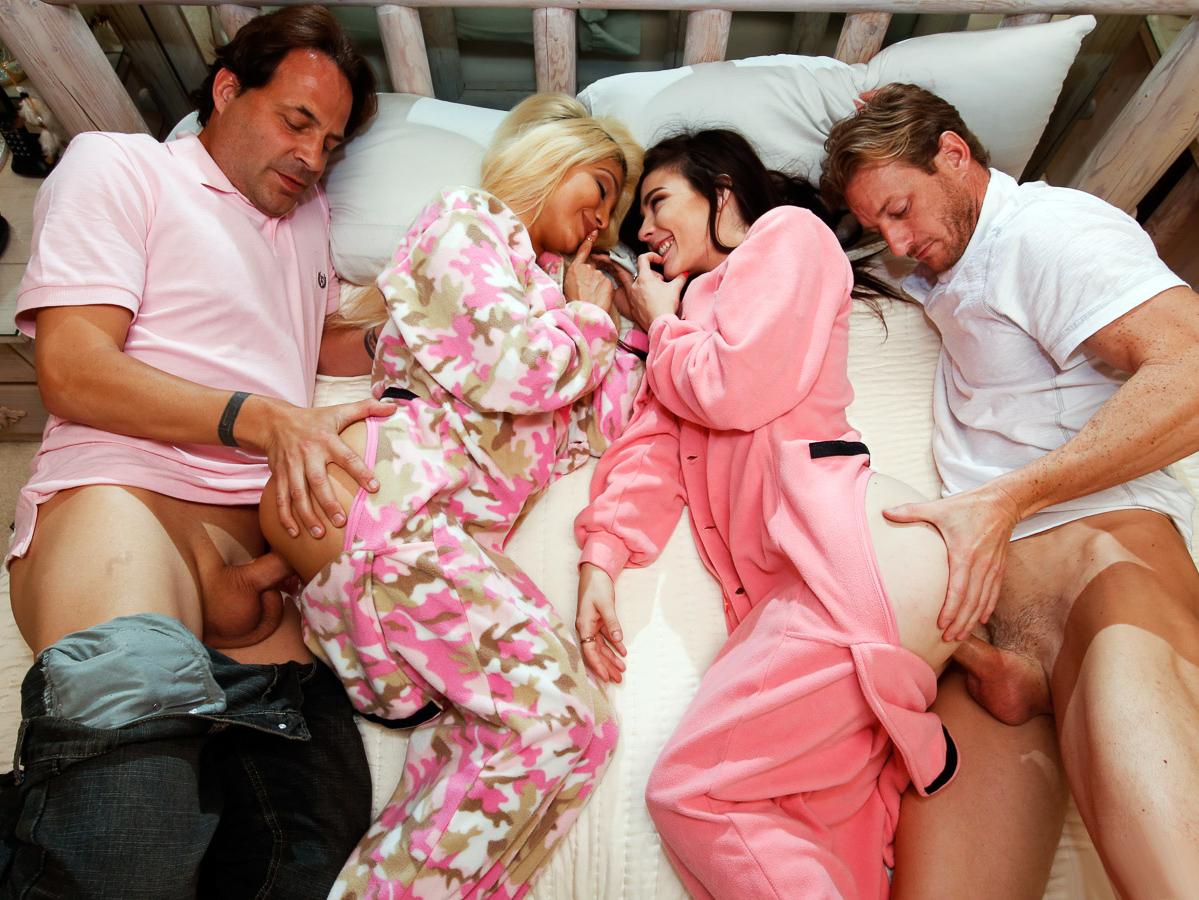 kostenlose-online-sleepover-pornovideos