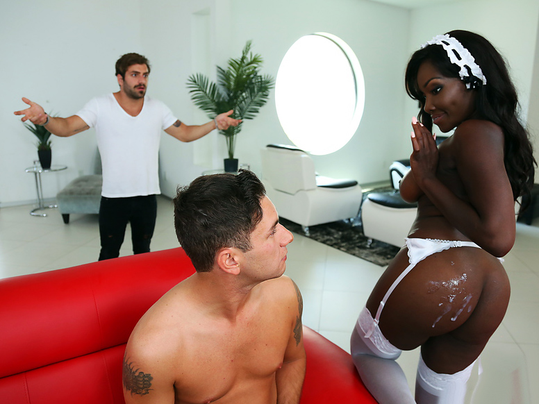 Round and Brown – Hot Maid Big Ass