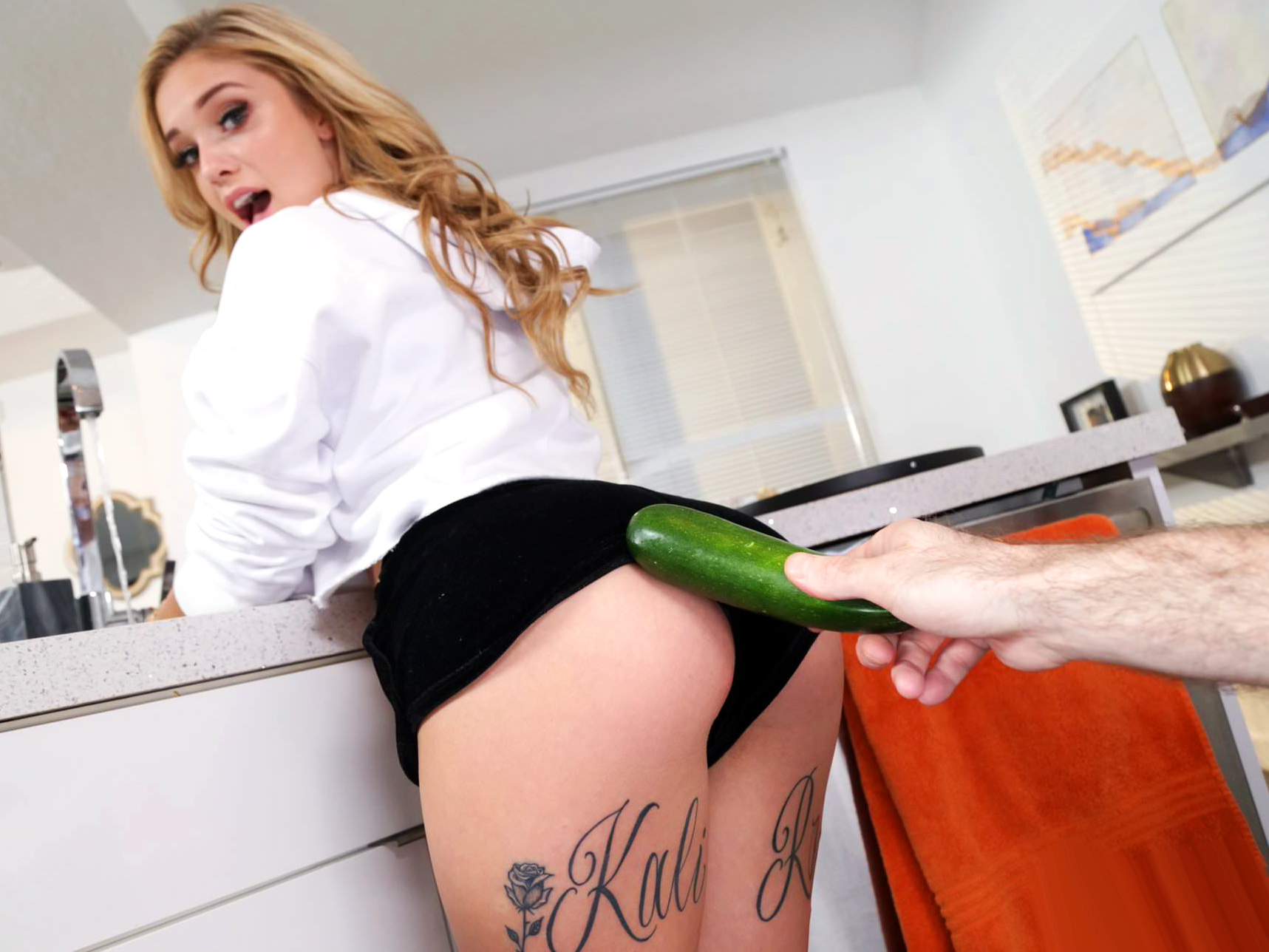 I Know That Girl Kali Roses Has Dick For Dinner