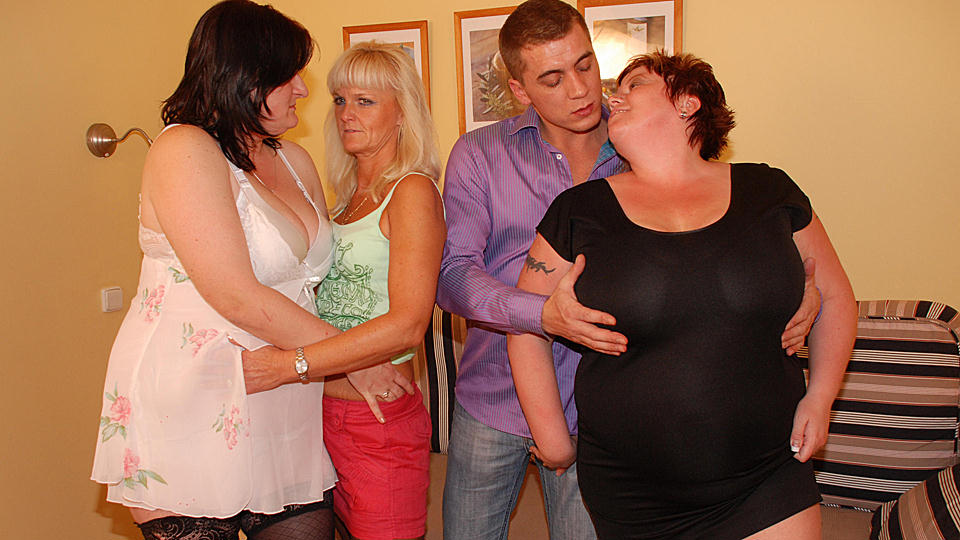 Discreet bisexual pictures