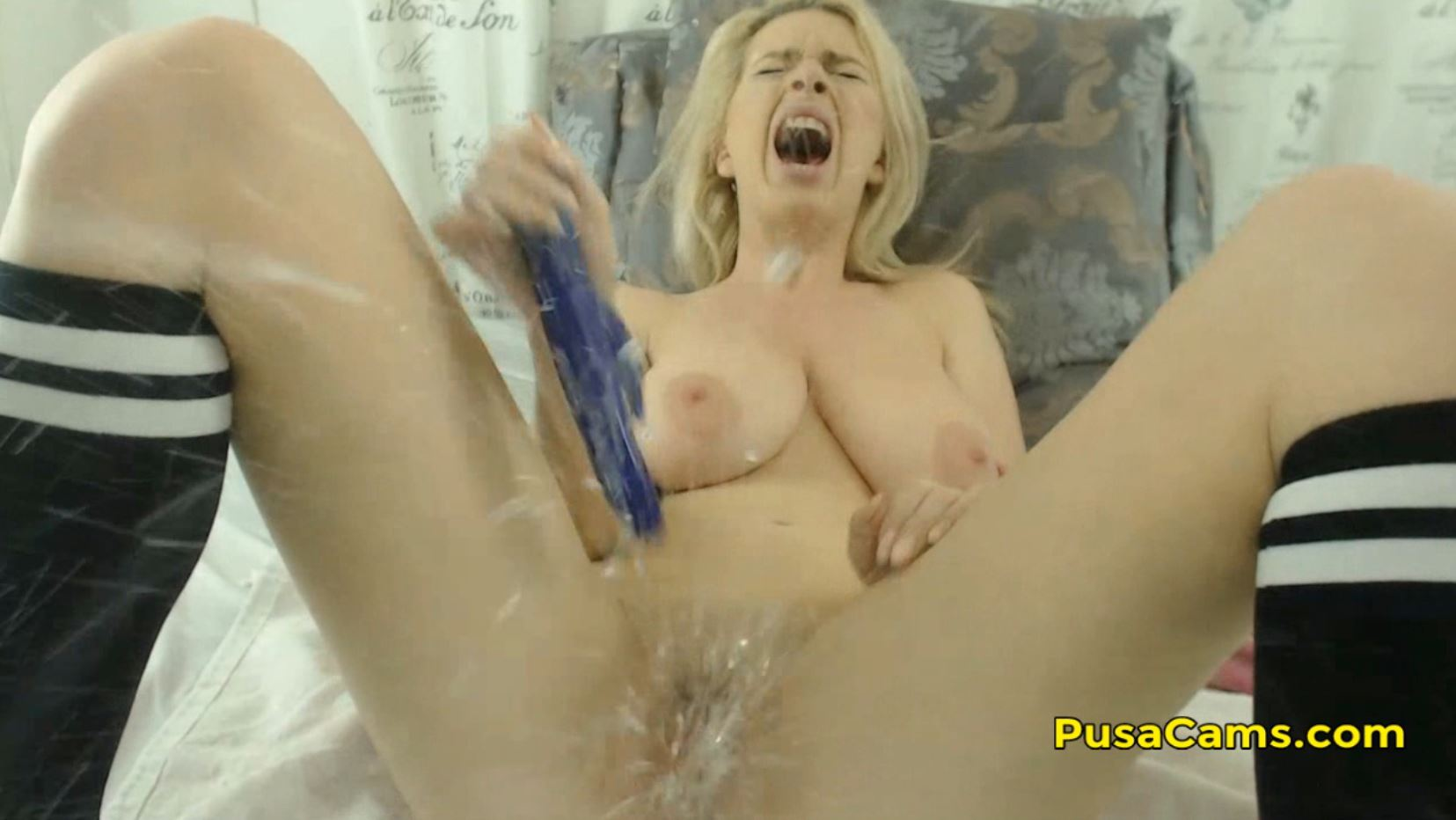 Crazy Squirt Explosion Orgasm From German Blond Pussy