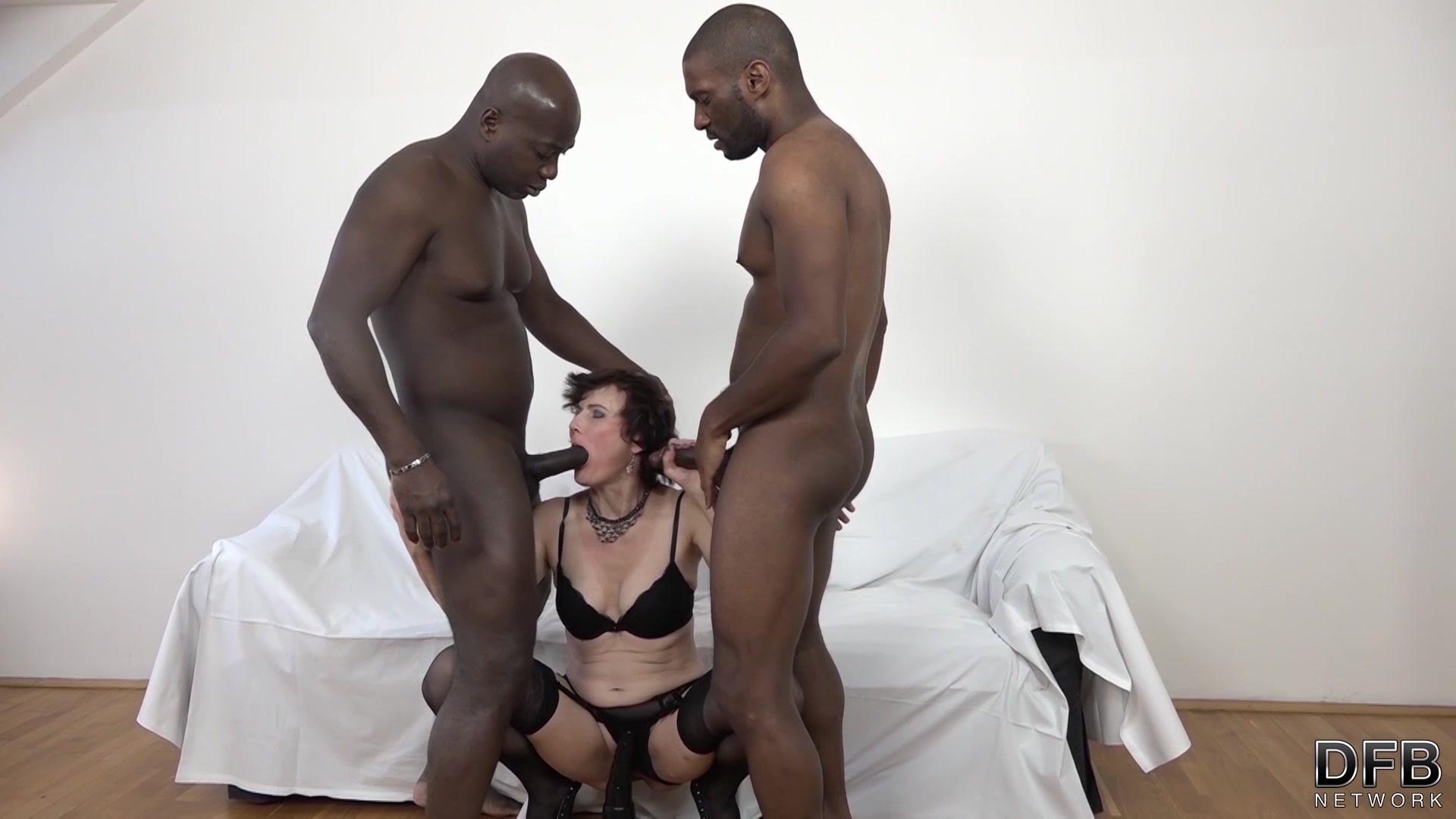 μαύρο Grany πορνό