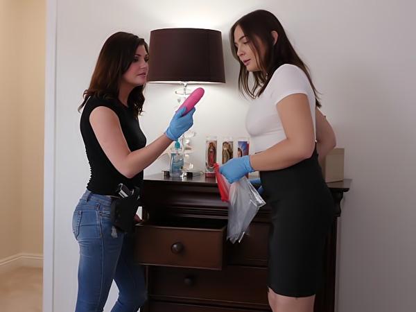Lesbian Crime Stories #03!