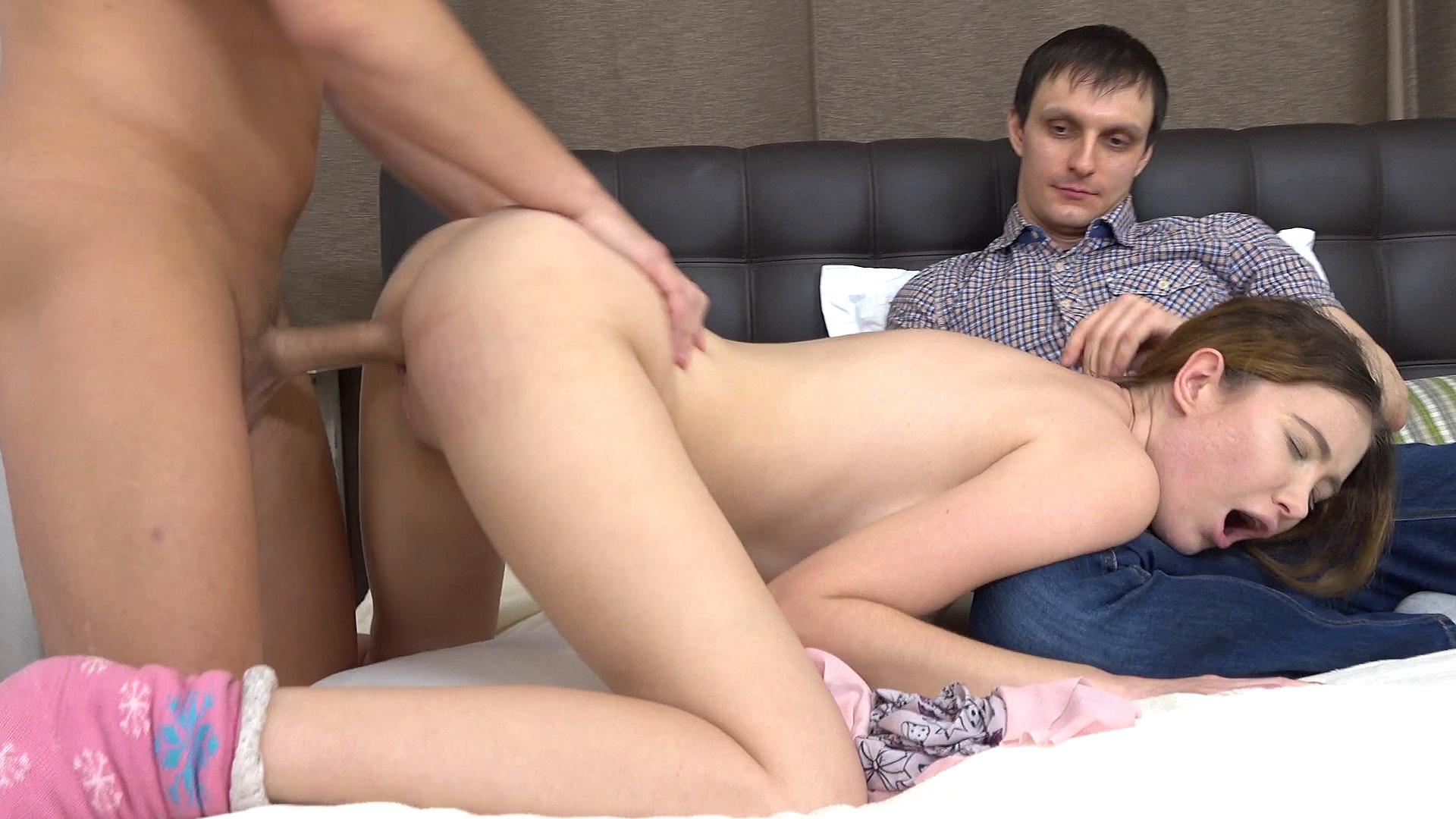 Hot girl gives a handjob