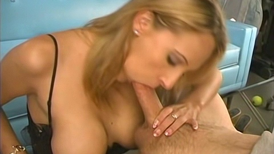 big tit blonde amateur sucking