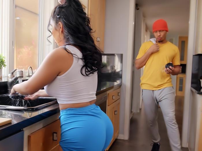 Fucked The Kitchen Roommate