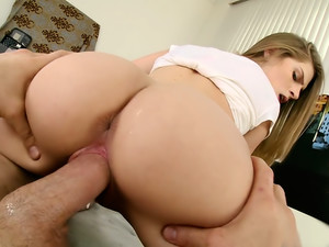 Sydney Cole Takes it in the Hole