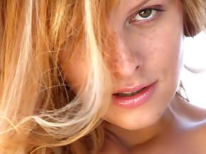 Erotic video. Subibaja