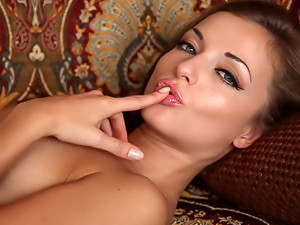 Erotic video. Striscio