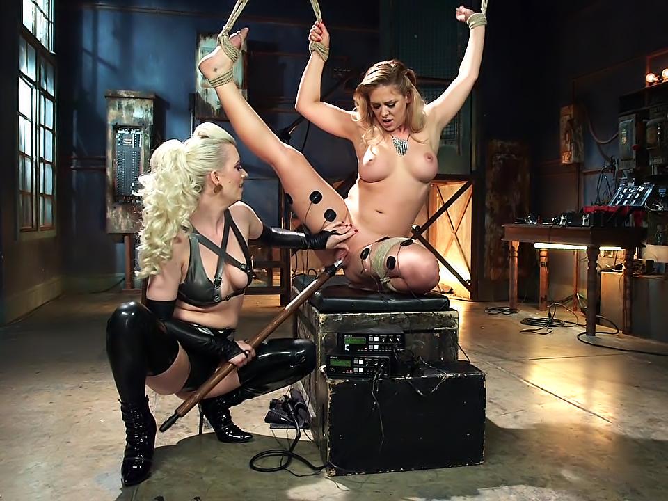 Lesbianj sexis showet