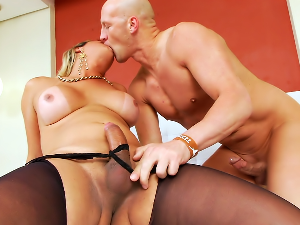 Walkiria Drumond, Christian, Scene 01