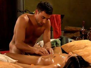 Tantra Yoni Lingham Massage