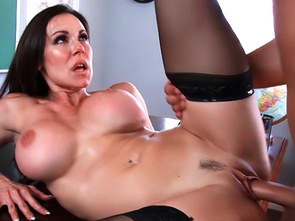 Kendra Lust porno réel poilu chatte noire