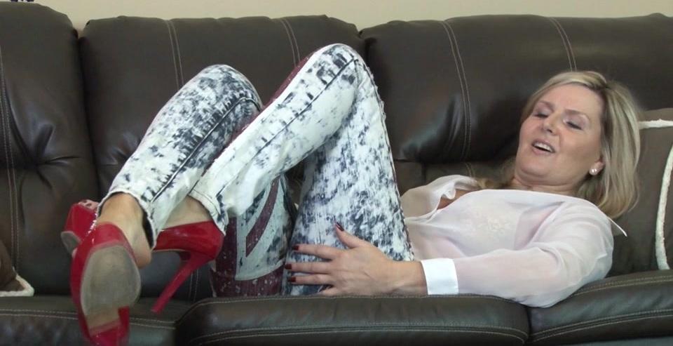British milf masturbating