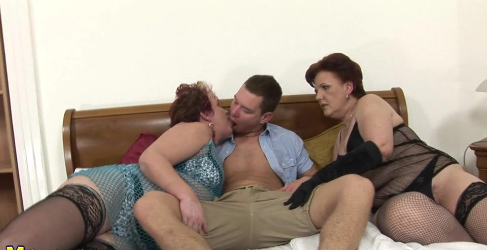 Three mature sluts love to share a hard cock