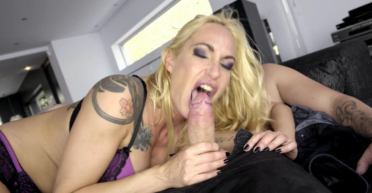 As Sophie cock evans a cougar back is hungry