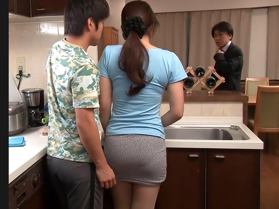fun with sexy mom in kitchen